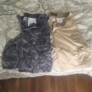 2 pair men's cargo shorts